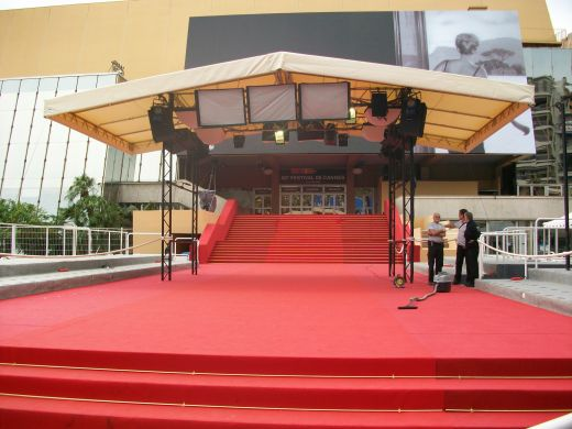 Red Carpet by Day