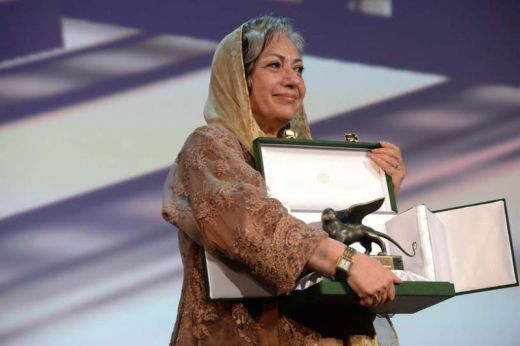Award for Best Screenplay to Rakhshan Banietemad (to Farid Mostafavi)