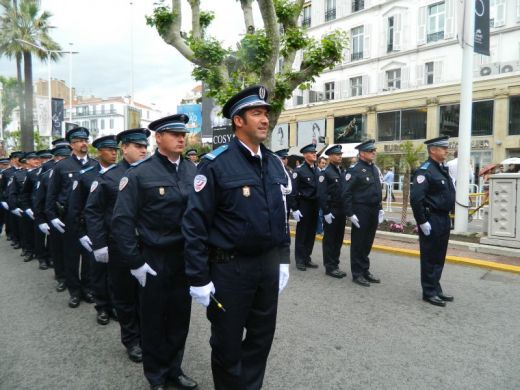 Palais Police Prepare for Premier of Madagascar 3