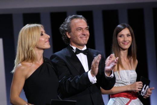 gala hosts