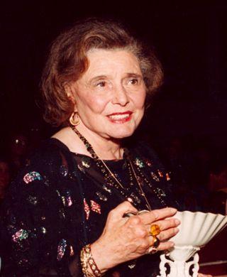 Patricia Neal Receiving Lifetime Achievement Award