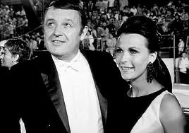 Rod Steiger and Claire Bloom