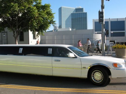 limos arriving at Twilight world premiere at Los Angeles Film Festival
