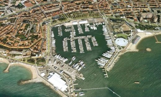 cannes_port.preview.JPG